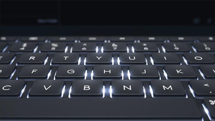 De Slim Combo iPad Pro-case van Logitech met afneembaar verlicht ...