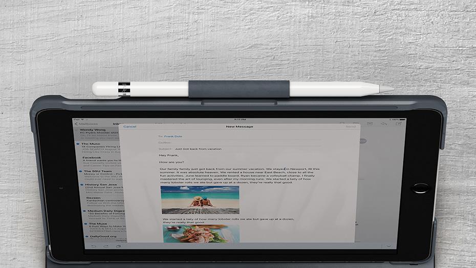 Funda con teclado para iPad Logitech Slim Folio