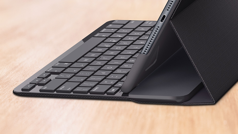 4e00656157a Logitech Slim Folio iPad Keyboard Case