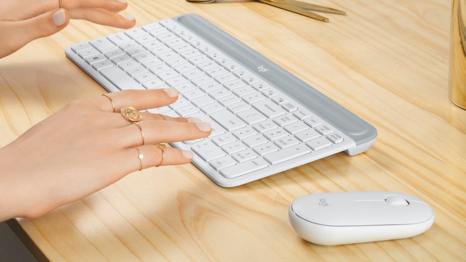 Las teclas de tijera de bajo perfil proporcionan una computadora portátil fluida y familiar como la experiencia de escribir.