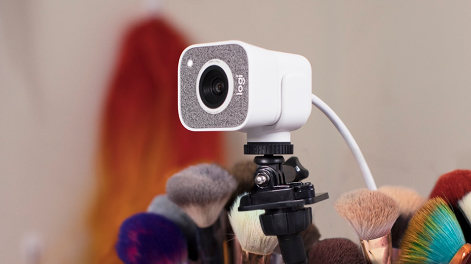 Logi StreamCam White - Right Angle view
