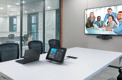 Huddle Room with Logitech Smartdock