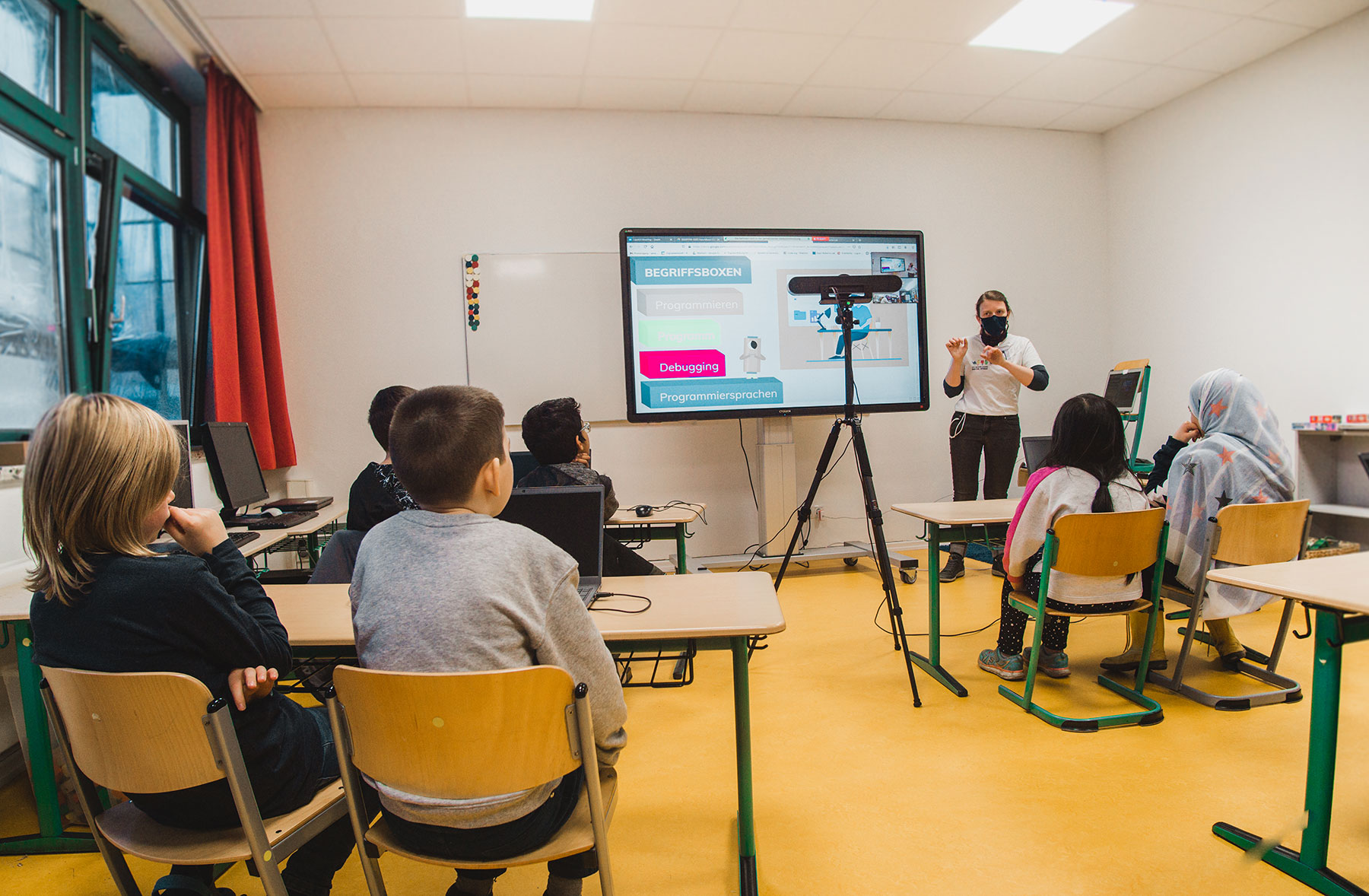 Hybrid teaching with video conferencing equipment